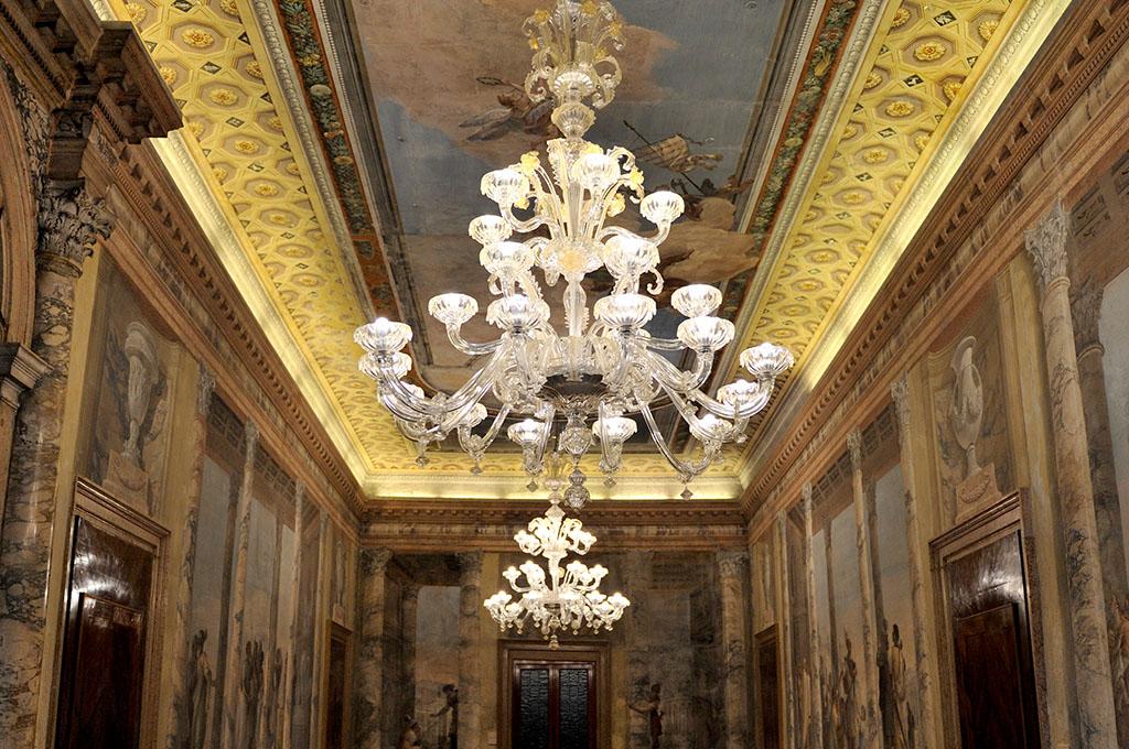 Pulizia Lampadari Di Cristallo.Pulizie Lampadari Murano E Cristallo A Venezia